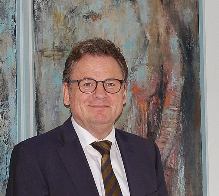 Gerhard Menzel, J.N. Köbig